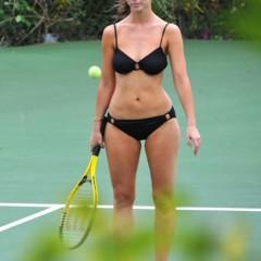 Foto 10 de 31 de la galería famosas-en-bikini-2009-segunda-parte en Poprosa