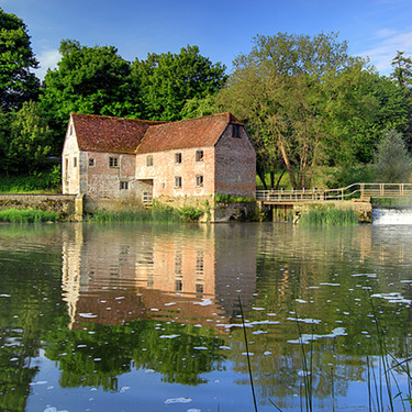 En plena escasez de harina y levadura, un molino medieval ha vuelto a la producción