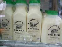 La peligrosa moda de consumir leche cruda. Costes y beneficios