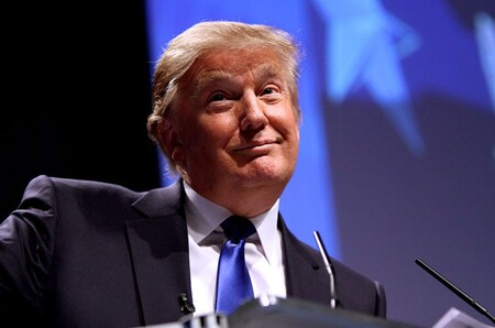 """Donald Trump es bloqueado para siempre de Twitter: su cuenta es suspendida permanentemente por """"riesgo a incitar a la violencia"""""""