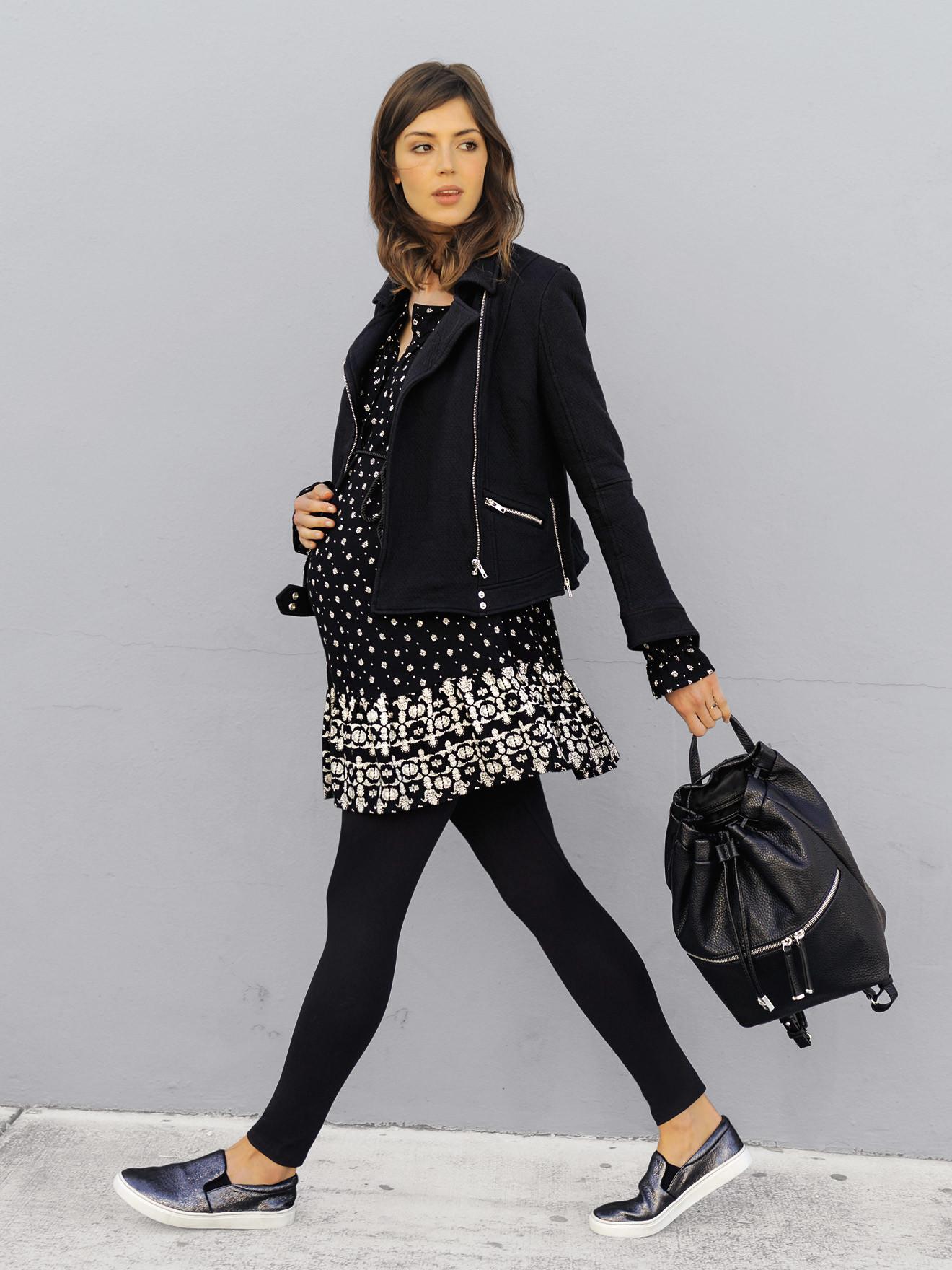 26285b15e La vuelta al trabajo con más estilo  cinco outfits premamá para la oficina