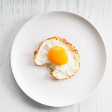Cómo freír huevos con puntilla y sin estropear la yema para que quede líquida