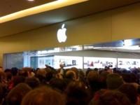 Fotos de la apertura de la Apple Store en Roma