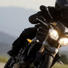 triumph-extra-equipamiento-gratis-para-adventure-y-roadster