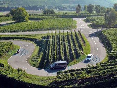 Bosch está empeñada en evitar aún más muertes, haciendo que motos y coches hablen entre ellos