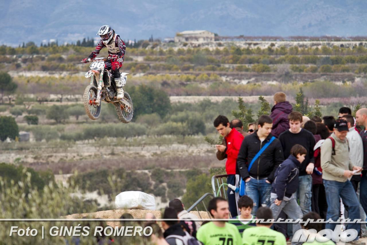 Foto de Álvaro Lozano empieza venciendo en el Campeonato de España de MX Élite 2012 (9/38)