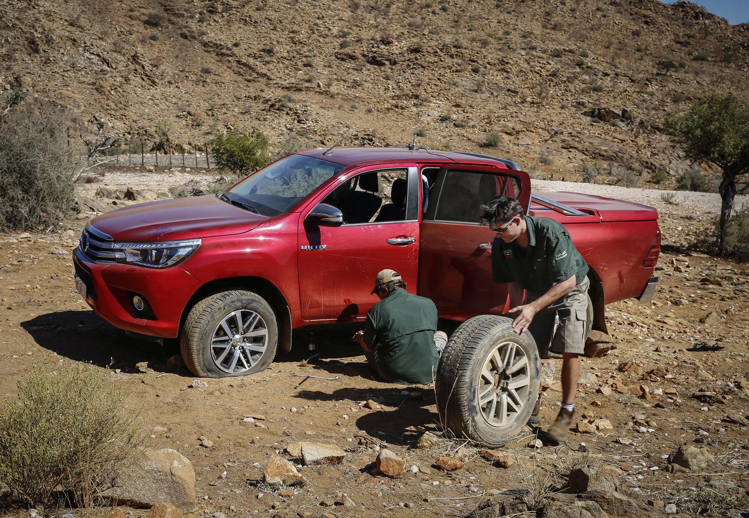 Foto de Toyota Hilux 2016 Namibia (68/74)
