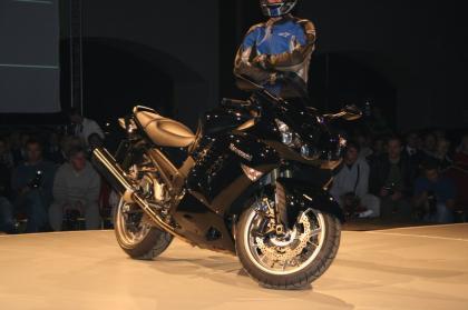 Salón de París: desvelada la Kawasaki ZZR 1400 2008