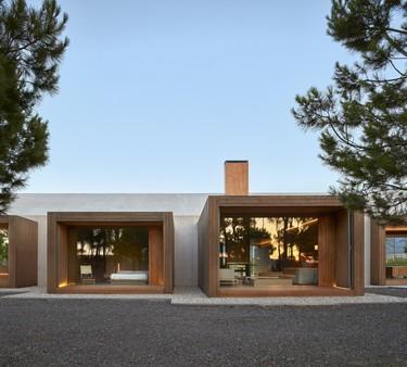 Construyendo un paisaje: Ramón Esteve nos maravilla con un refugio entre viñedos