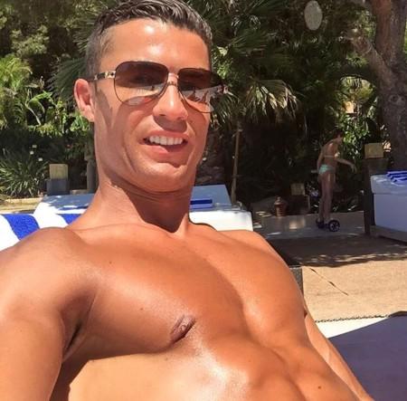 El verano de Cristiano Ronaldo: rayos UVA, sol y... ¿Eva Longoria?