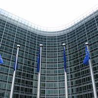 Google es sancionado con una multa de 2.420 millones de euros por favorecer a sus servicios en el buscador