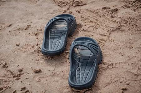 sandalia de tira ancha