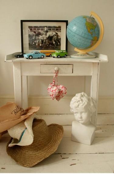 Errores en decoración: figuras o jarrones en el suelo