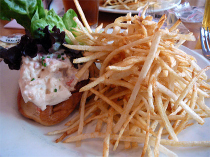New York, el lobster roll de Pearl Oyster Bar