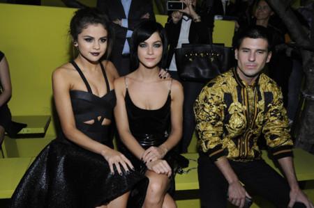 Selena Gomez se vuelve gótica en Milán