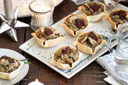 Tartaletas Saladas Rellenas De Solomillo De Cerdo Con Setas Y Chutney Tomate