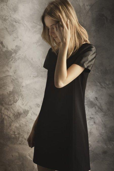 Vestido manga negra Massimo Dutti