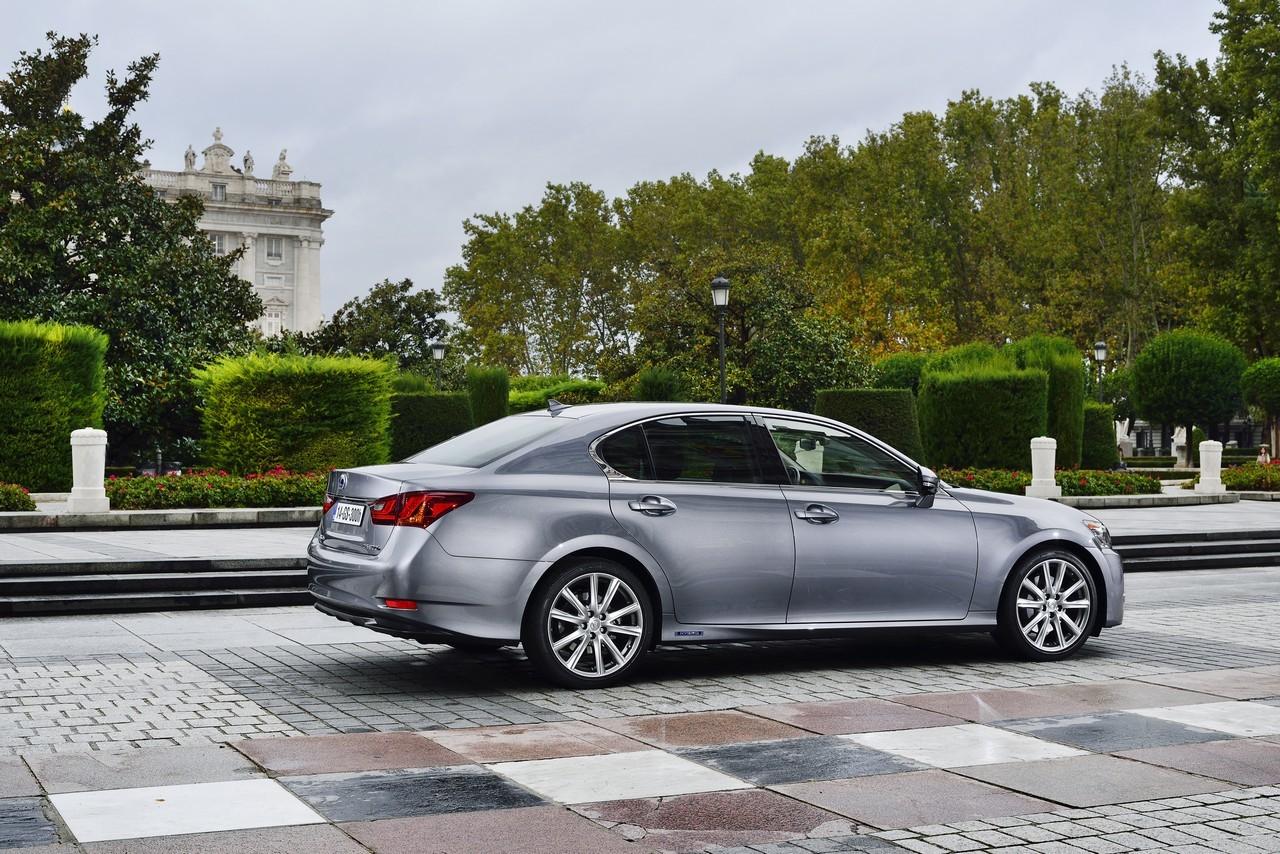Foto de Lexus GS 300h (115/153)