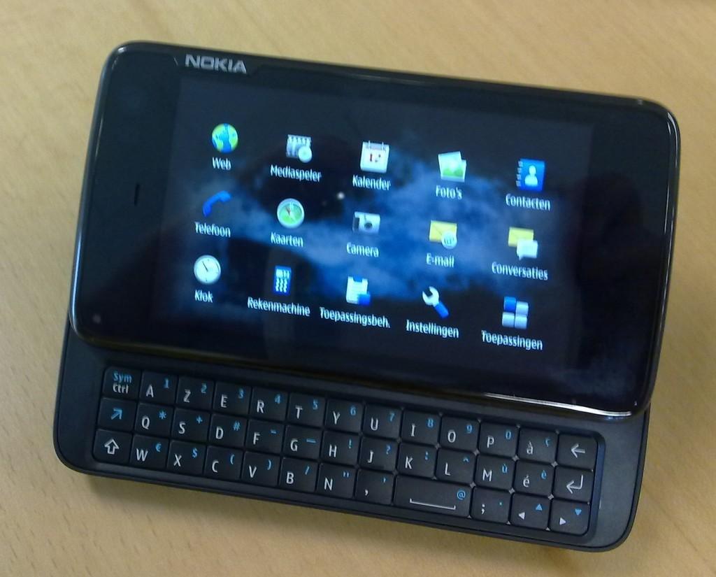 Foto de Nokia N900 en Twitter (1/3)