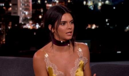 Una mudanza, un top y el famoso 'piercing' del pezón: así se ha hecho viral la entrevista de Kendall Jenner con Jimmy Kimmel