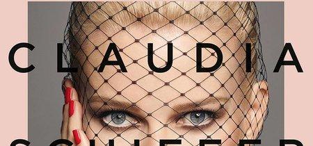 Claudia Schiffer ya tiene su colección de maquillaje ¡y es una monada!