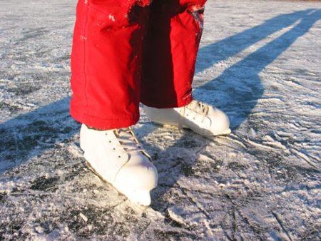 Patinaje sobre hielo, una solución a la falta de deporte en invierno