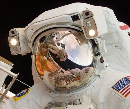 ¿Por qué los astronautas pierden a veces sus uñas?