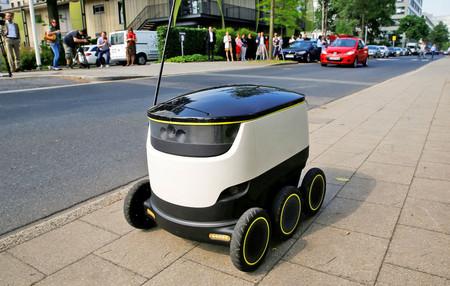 Adiós al repartidor, este pequeño robot autónomo es el nuevo responsable de entregar comida a domicilio