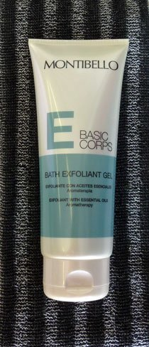 Gel de baño exfoliante Montibello, un cosmético corporal doble uso. Lo probamos
