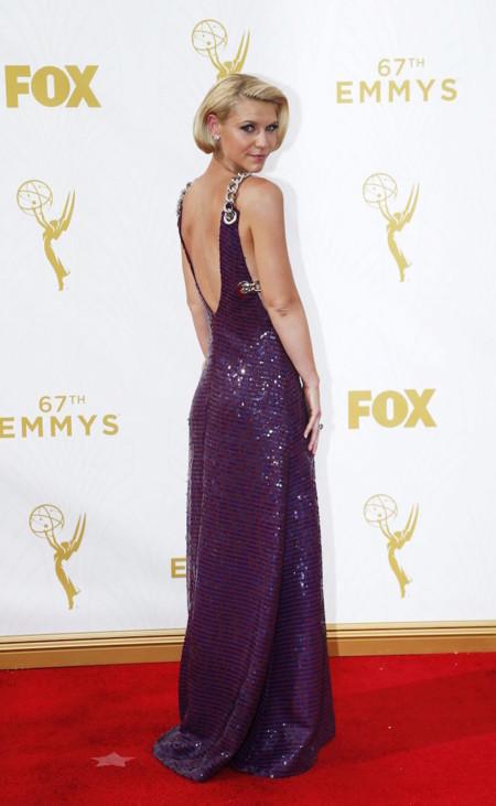 Claire Danes con un look espectacular de Prada en los Premios Emmys 2015