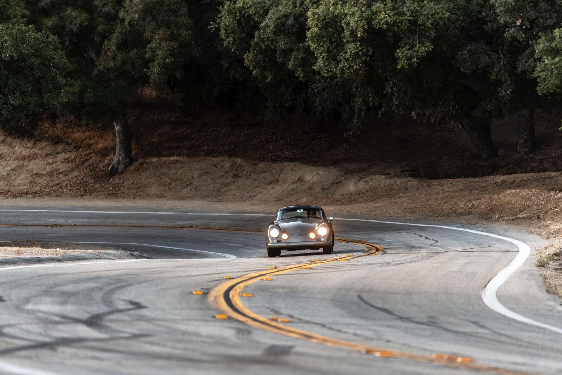 Foto de Emory Motorsports Porsche 356 restomod (14/46)