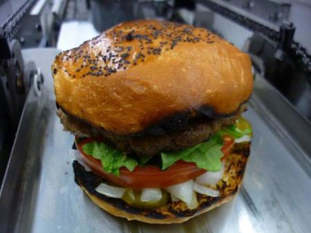 RoboBurgerBoy, robot que prepara 360 hamburguesas por hora