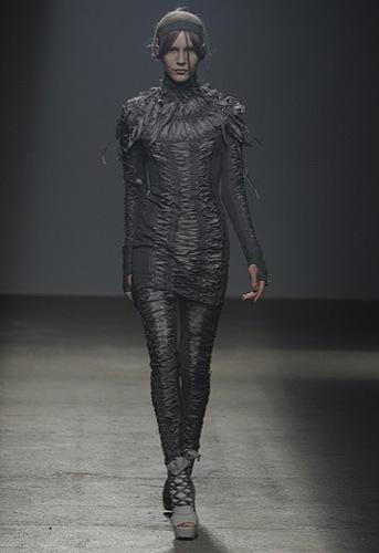 Gareth Pugh, Primavera-Verano 2010 en la Semana de la Moda de París III