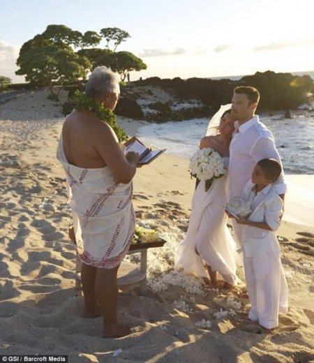 El vestido de novia de Megan Fox en su boda secreta I
