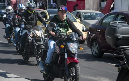 Cuándo una moto puede ir entre carriles y cuándo no en Ciudad de México