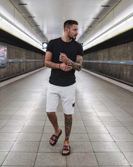 El Mejor Street Style De La Semana Blanco Y Negro Combinacion Triunfante 2020 Trendencias Hombre 10