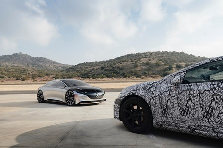 Mercedes Benz Eqs Teaser 4