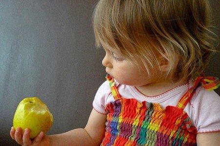 Las frutas, ¿mejor con piel o peladas?