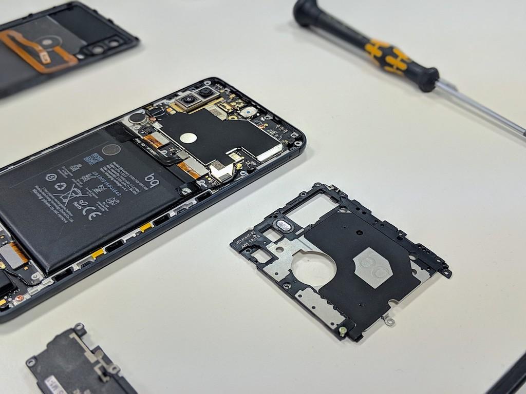 La fábrica de BQ por dentro: así se diseñan móviles en España y estas son las pruebas que deben pasar antes de poder venderse