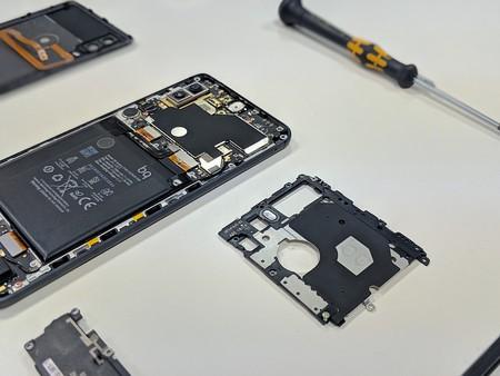 Los laboratorios de BQ por dentro: así se diseñan móviles en España y estas son las pruebas que deben pasar antes de poder venderse