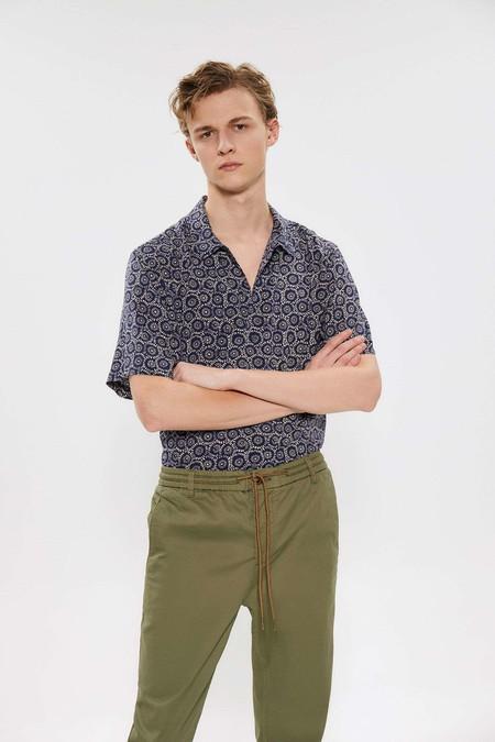 Para Adentrarnos Al Fulgor De La Primavera Estas Camisas Resort Son Perfectas Para Cualquier Look 01