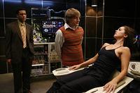 'Dollhouse' tendrá al menos 13 episodios pese a la baja audiencia