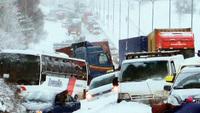 Montonera de más de 200 coches en Helsinki debido al mal tiempo