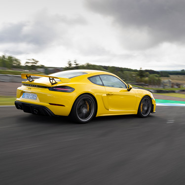 Probamos el Porsche 718 Cayman GT4: 420 CV en un deportivo puro que te hace trabajar e involucrarte para disfrutar