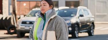 El mundo de la moda es cíclico: el forro polar ha vuelto para demostrar que todavía crea tendencia. Palabra del street style