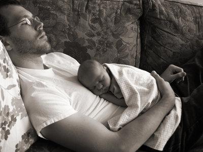 """Cuando más """"en forma"""" hay que estar: la depresión durante el embarazo y en el postparto también afecta al hombre"""