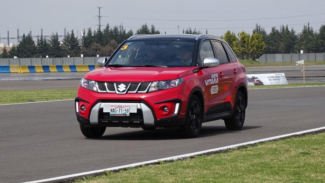 Foto de Suzuki Vitara Turbo prueba de manejo (6/18)