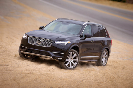 Volvo XC90 lateral frontal