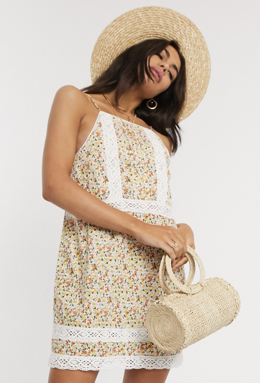Vestido veraniego corto de plumeti con aplicación de encaje y estampado floral de ASOS DESIGN