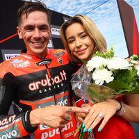 Scott Redding ganó la carrera de Superbikes en Most y después... ¡le pidió matrimonio a su novia en el podio!